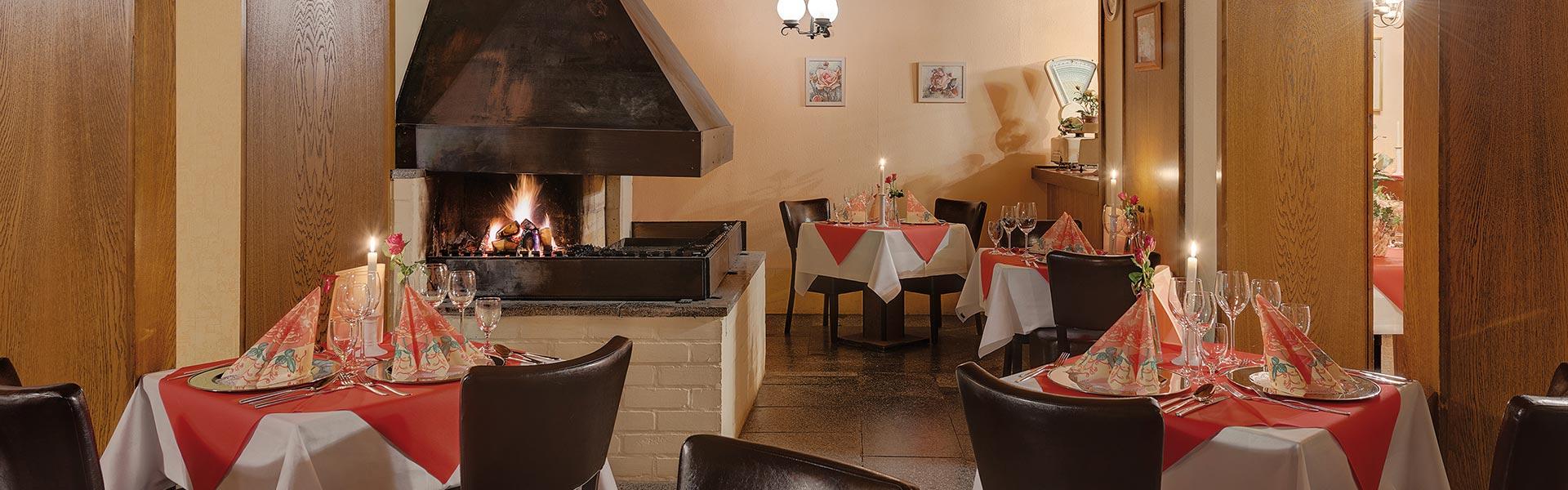 Kaminstube im Schlossberghotel Oberhof, Candle-Light-Dinner für Paare