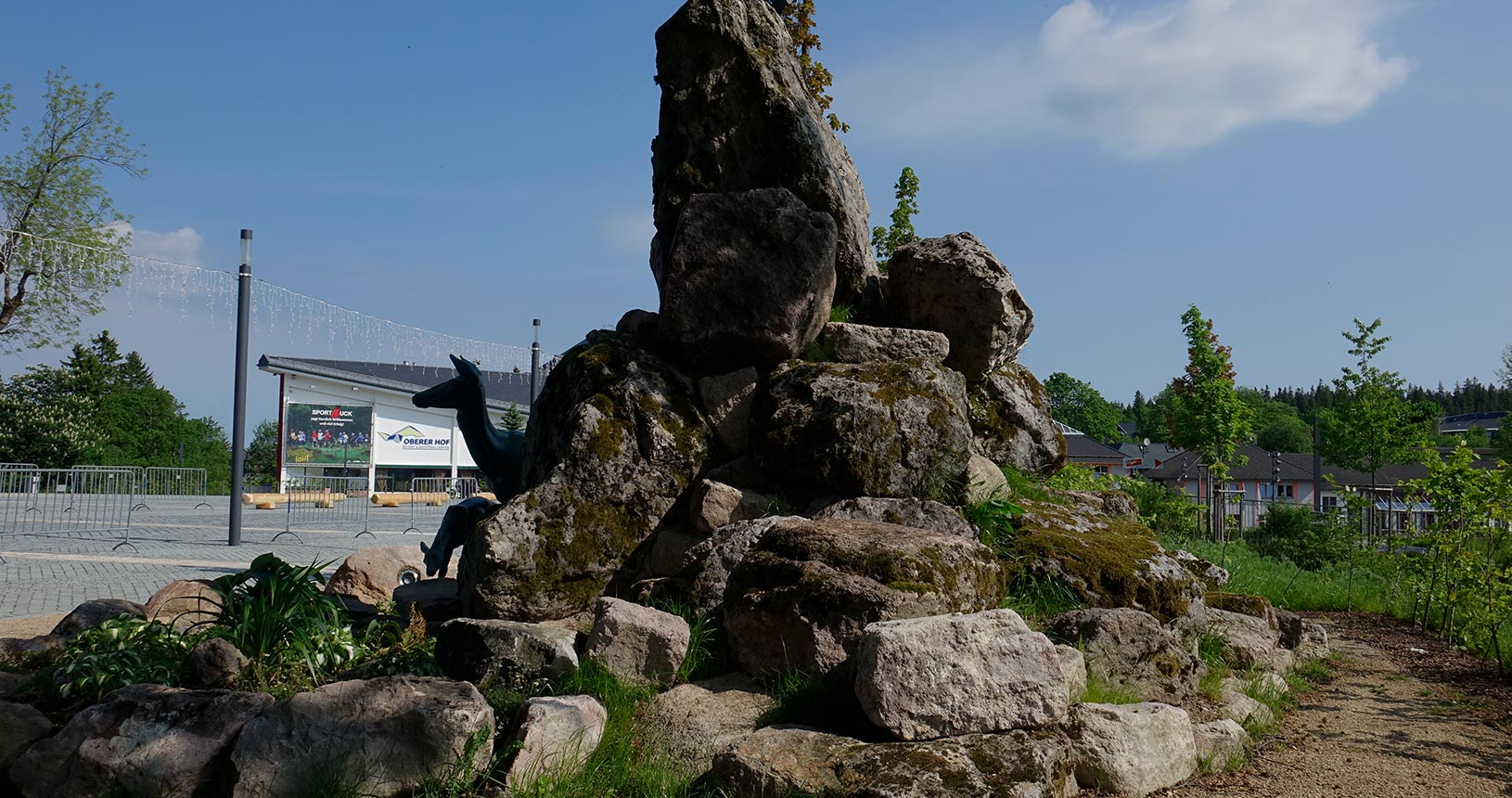 Oberhof im Sommer, Denkmal am Stadtplatz