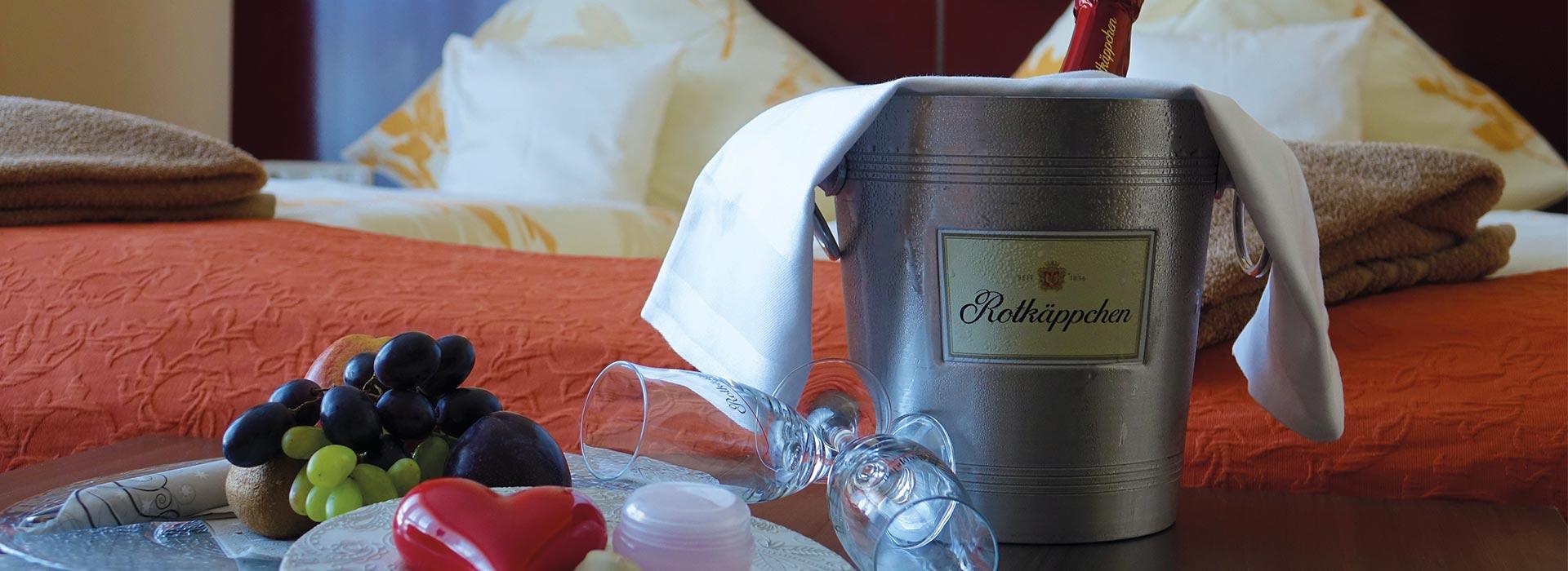 Kuschelpaket mit Obst und Sekt für den Paarurlaub im Schlossberghotel Oberhof